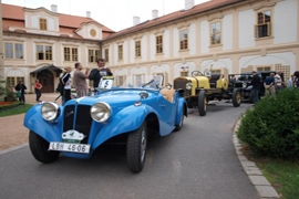 май 2015 – Фестиваль ретро-автомобилей в замке Лоучень